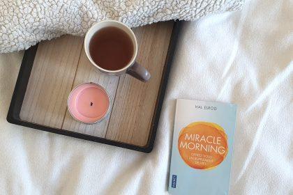Un livre et un thé