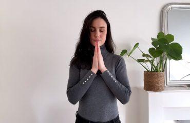 mudra Anjali est une posture des mains qui est souvent utilisé dans la pratique du yoga.